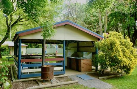 Kui Parks, Wangaratta Caravan Park, Camp Kitchen