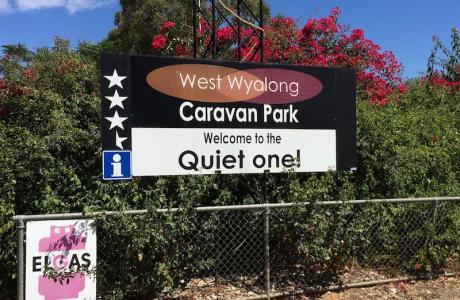 Kui Parks, West Wyalong Caravan Park, Signage