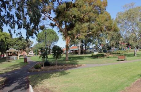 Kui Parks, West Wyalong Caravan Park, Park