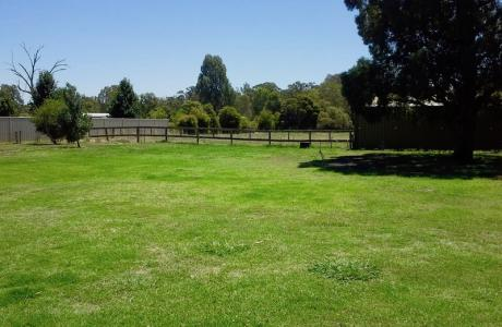 Kui Parks, Yarrawonga, Westside Holiday Park, Sites